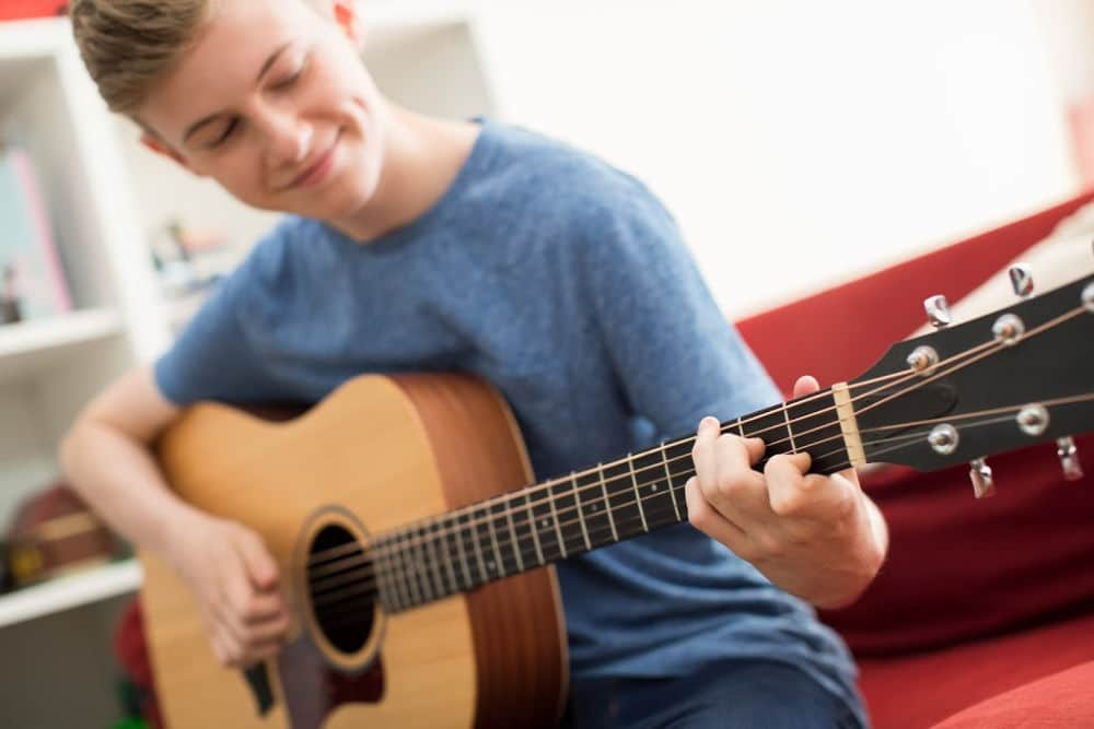 Guitar Lessons ROWLEY REGIS