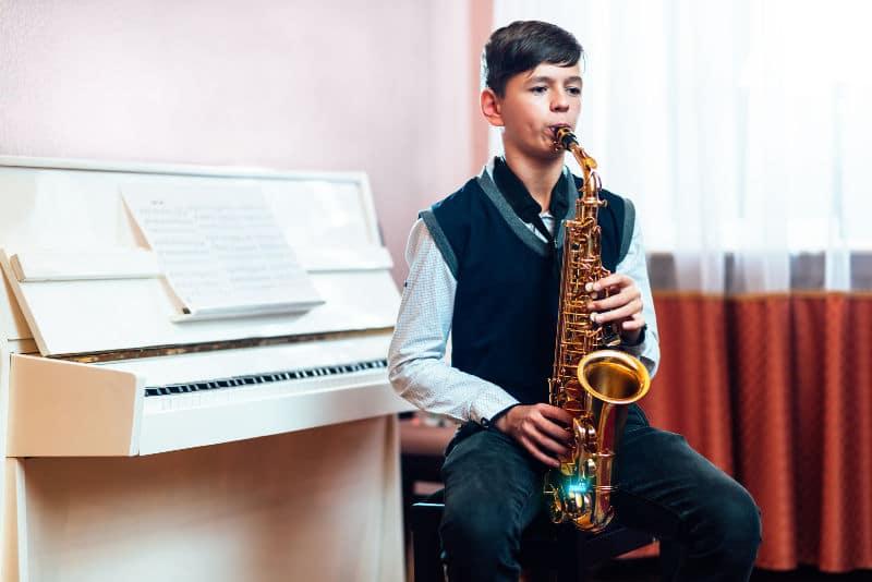 saxophone lessons halesowen
