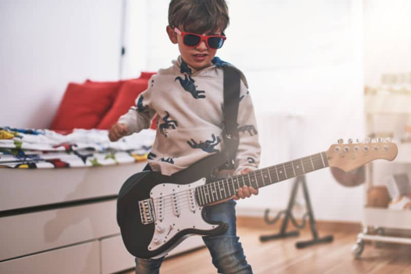 kids bass guitar lessons